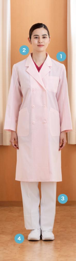 パステルカラーが、 医療従事者の優しさと 温かさを感じさせる診察衣